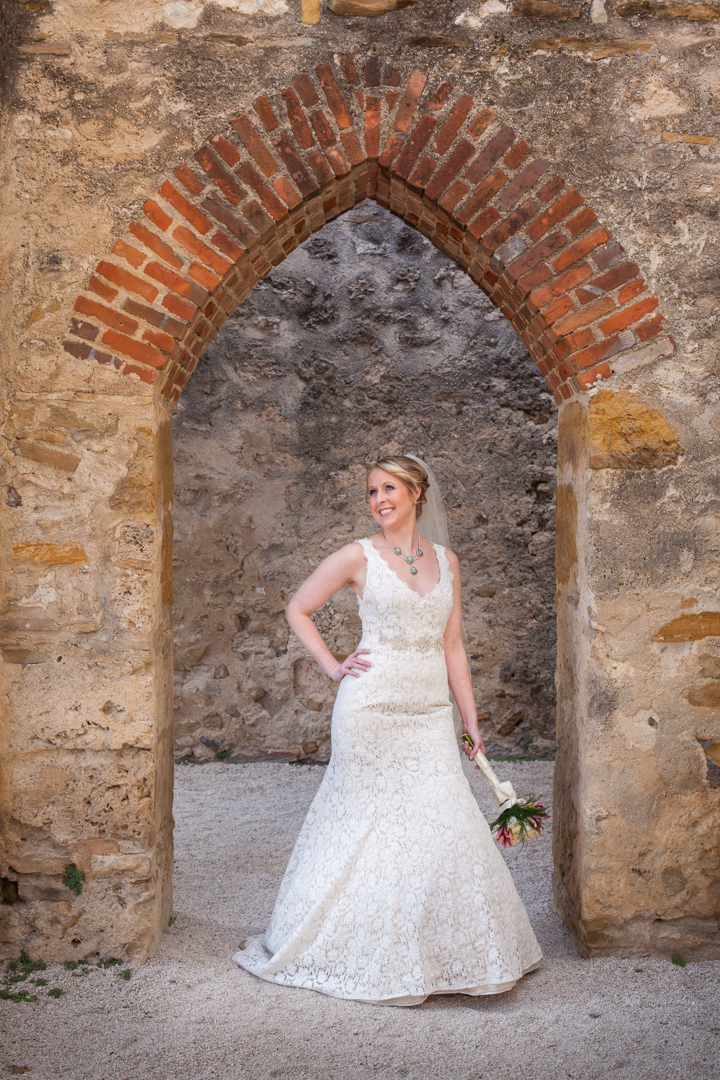 bridal photography shoot at San Antonio Mision San Jose