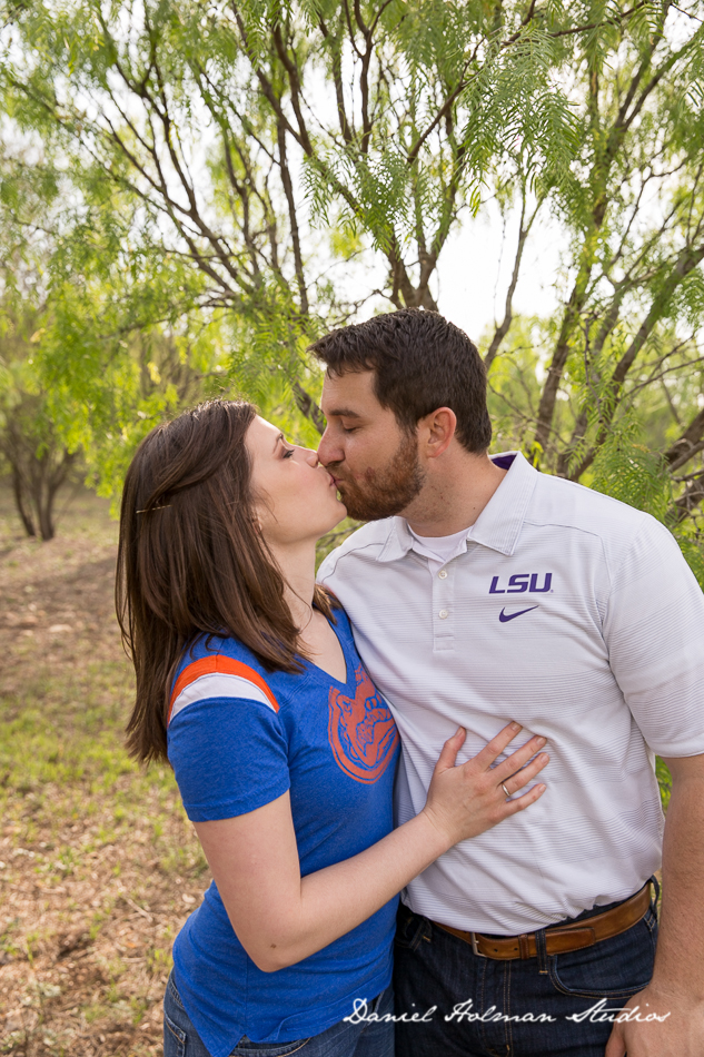 Hardberger Park Engagement Session